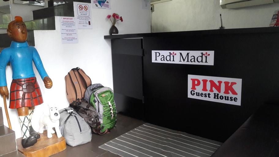 Padi Madi Guest House, Wattana