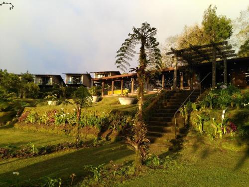 Villa Calas, Alajuela