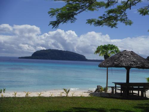 Lonnoc Beach Bungalows, East Santo