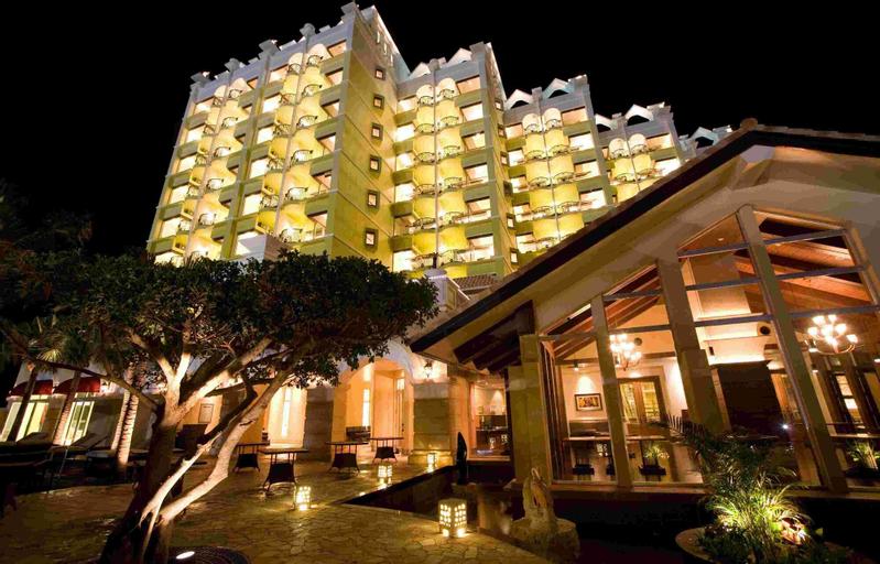 Okinawa Spa Resort Exes, Onna