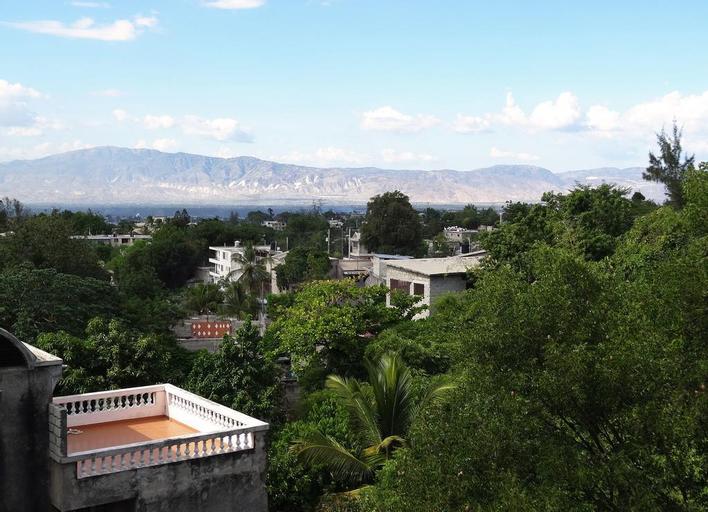 Auberge De La Cigogne, Port-au-Prince