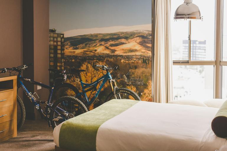 Whitney Peak Hotel, Washoe