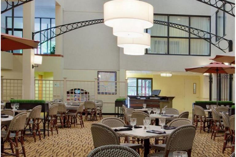 Arcadian Hotel Brookline, Norfolk