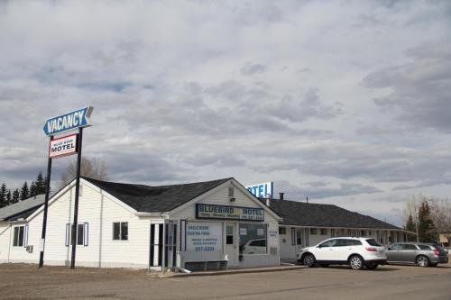 Bluebird Motel, Division No. 8