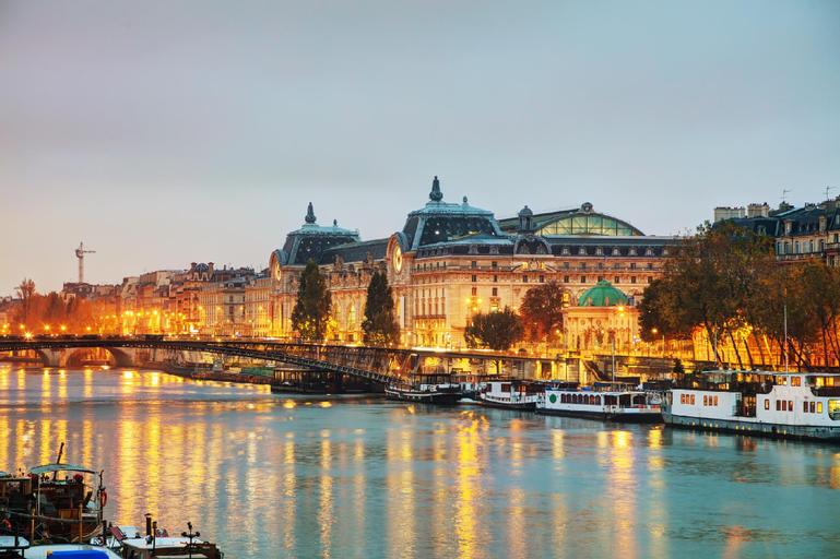 Joli, Paris
