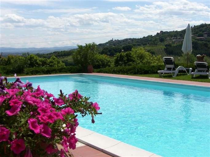 Apartment With one Bedroom in Perugia, With Pool Access, Furnished Terrace and Wifi, Perugia