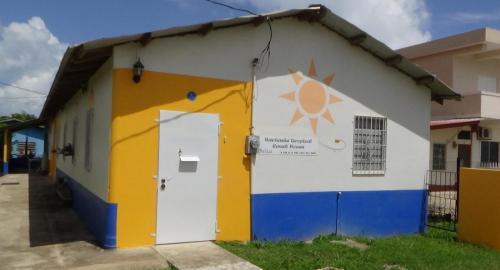 Hacienda Tropical Guest House,