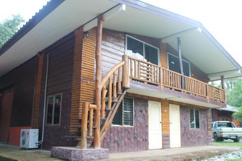 Baan Kroeng Krawia Homestay, Thong Pha Phum