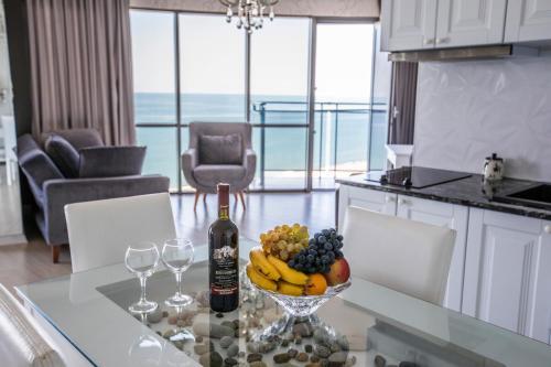 Tina's Apartments with Panoramic Sea view, Batumi