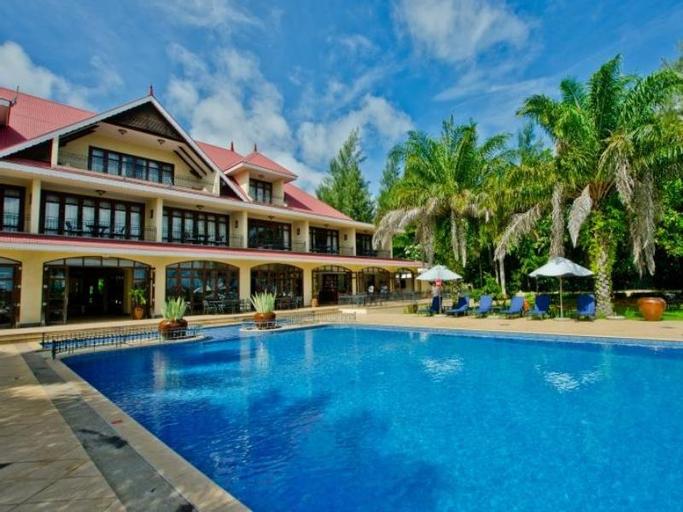 The Wharf Hotel and Marina,