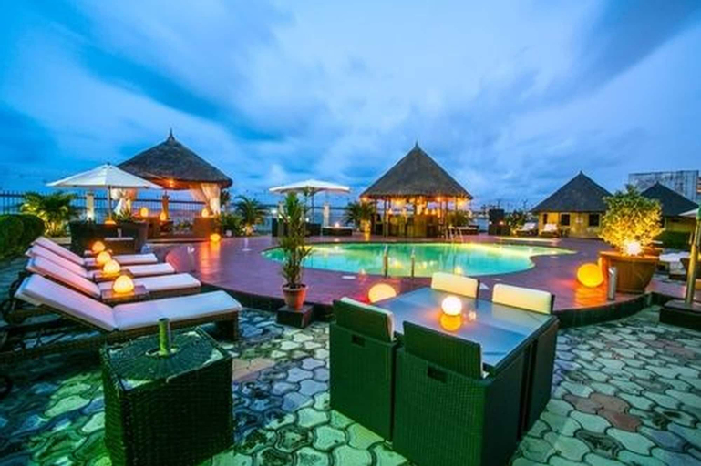 Hotel Bon Voyage, Eti-Osa