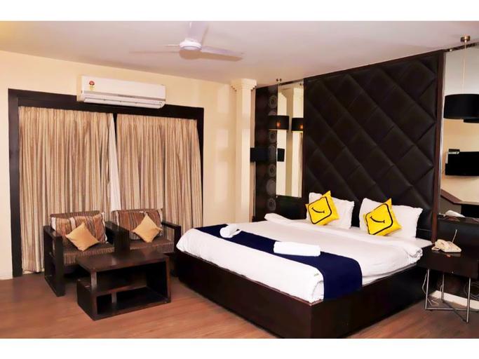 Vista Rooms near Rajpath Club, Ahmadabad