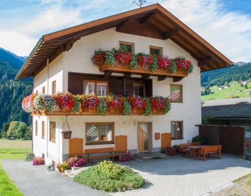 Haus Guggenberger, Hermagor