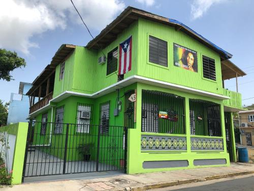 Vieques Hostel Good Vibe House,