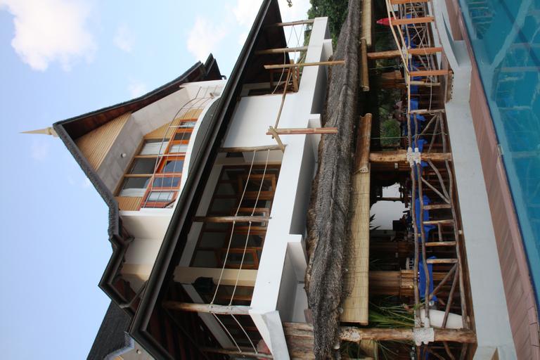 Patatran Village,