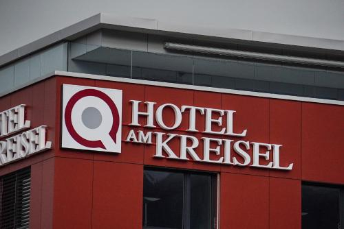 Hotel am Kreisel: Self-Service Check-In Hotel, March