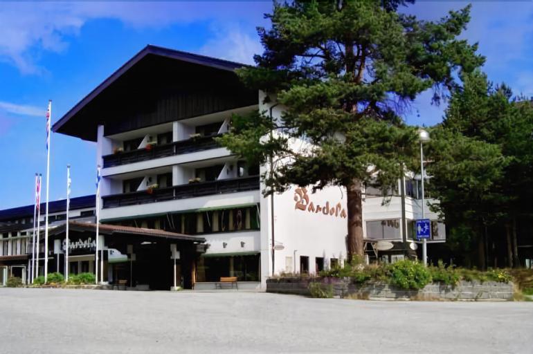 Bardøla Høyfjellshotell og Hytter, Hol