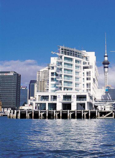 Hilton Auckland, Waitakere