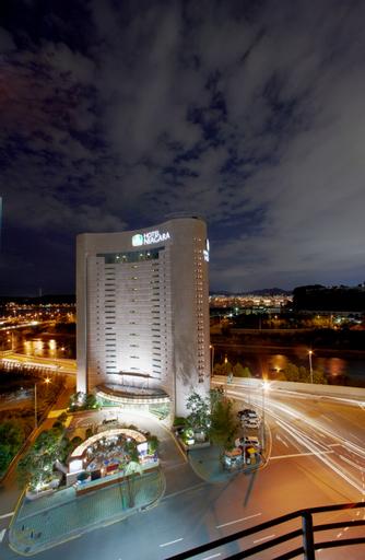 Busybee MIDI Niagara Hotel, Mapo
