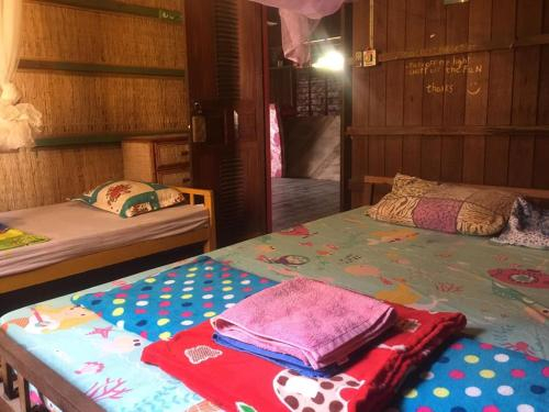 Paddy's Bamboo Guesthouse, Smach Mean Chey