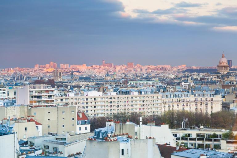 Home in Paris, Paris