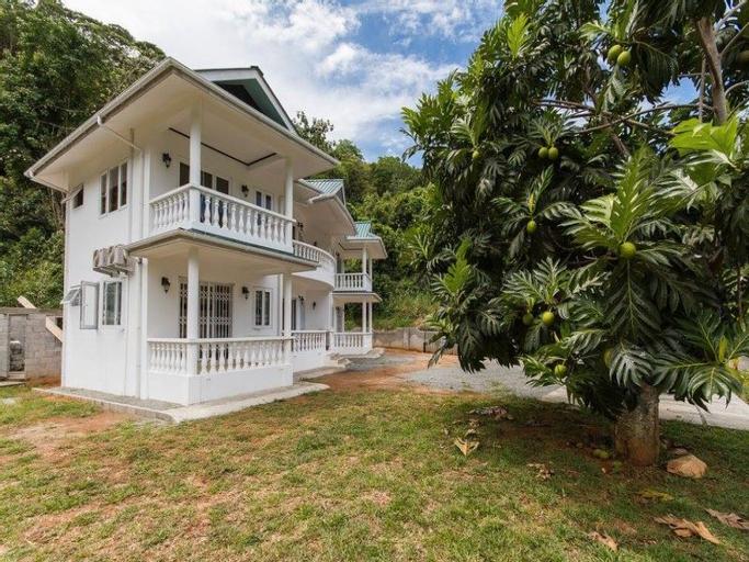 Daphne's Dream Villa,