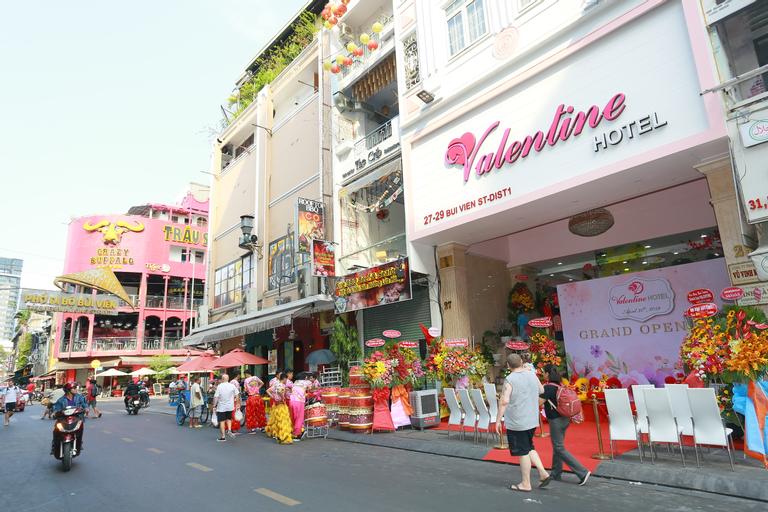 Valentine Hotel, Quận 1