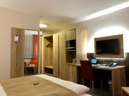 Hotel Merkur, Kaiserslautern