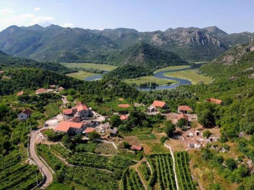 Estate & Winery San Duyevo,