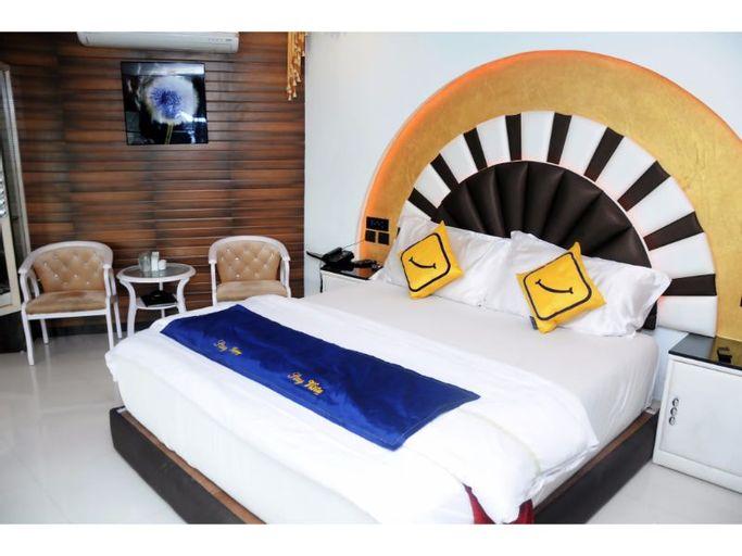 Vista Rooms at Devka Beach Road, Daman