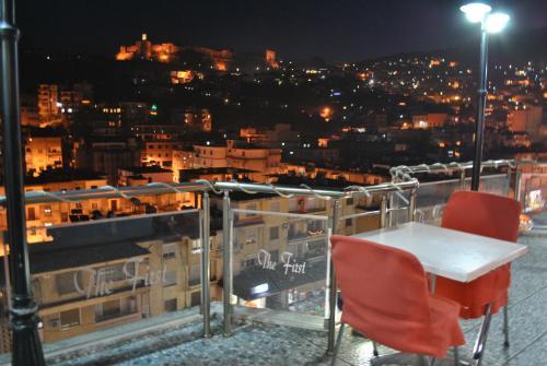 Hotel The First, Gjirokastrës