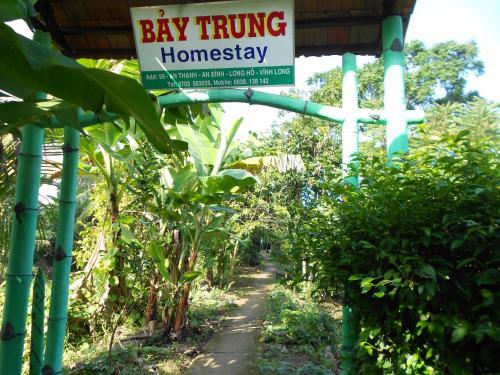 Bay Trung Homestay, Long Hồ