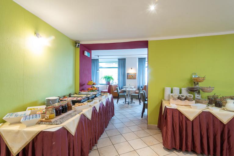 Hotel Vitkov, Praha 8