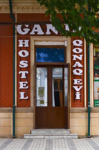 Hostel of Ganja, Xanlar