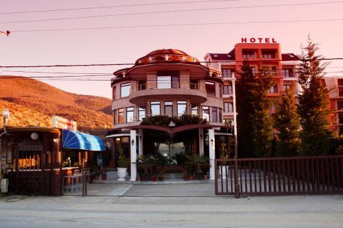 Hotel Saint Marena, Pogradecit