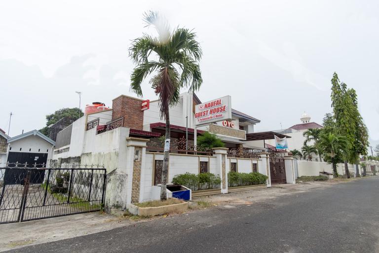 OYO 619 Naufal Guest House, Medan
