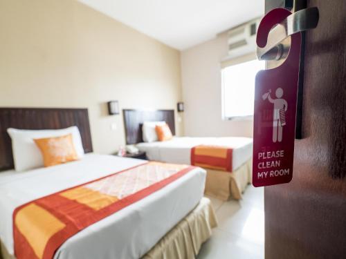 OYO 244 Family Hotel, Klang