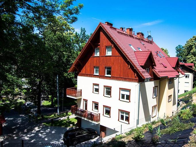 Apartamenty hoteLOVE pod Debami, Jelenia Góra