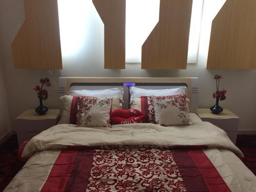 Al Fakhriah Suites,