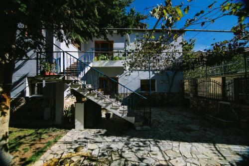 Bujtina Leon's Apartments, Korçës