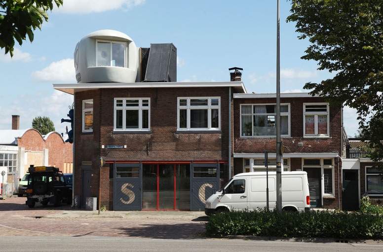 Lucy GLXY, Deventer