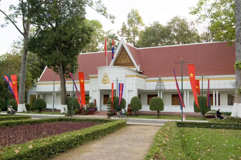 Khmer Inn Angkor, Prasat Bakong