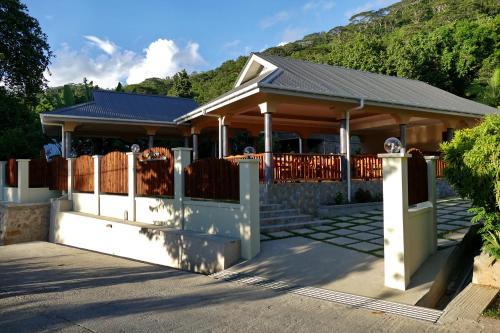 Bernique Guesthouse,