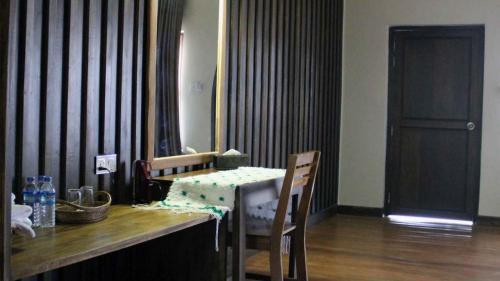 Hotel Putao - Burmese Only, Putao