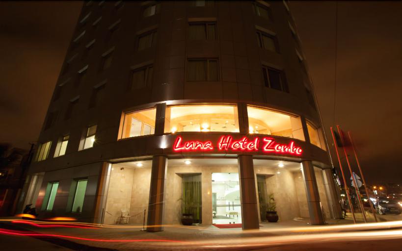 Luna Hotel Zombo, Rangel