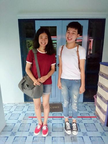 Friends Club Homestay, Bang Bua Thong