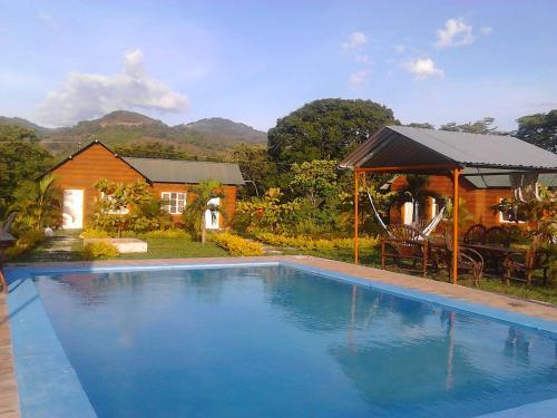 Aqua Park Y Club Campestre El Yate, Lepaera