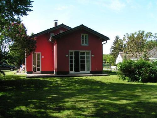 Rotes Ferienhaus Klausdorf, Vorpommern-Rügen