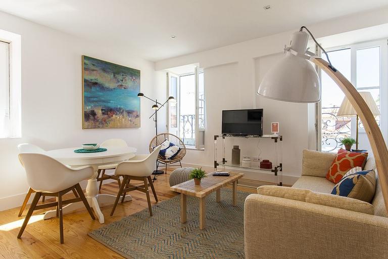 Alfama Trendy Deluxe Apartment Rentexperience, Lisboa