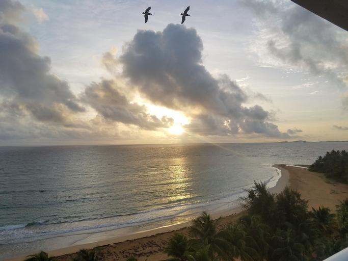 Beach Apartment With Amazing Sunrises,